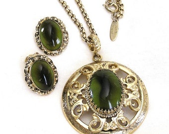 Whiting and Davis Olive Glass Pendant Necklace and Earring Set