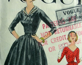 Vintage Vogue Special Design Pattern S-4813 -  BEAUTIFUL Party Dress and Scarf - COMPLETE - Bust 34