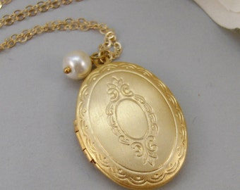 Golden Heirloom,Locket,Gold Necklace,Gold Locket,Pearl,Pearl Locket,Golden. Handmade Jewelery by ValleyGirlDesigns.