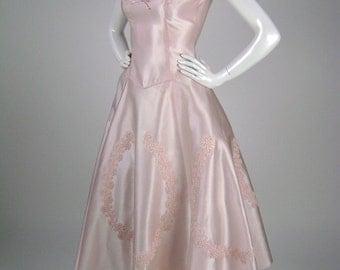 Vintage 50s Dress, Wedding Dress, Bridesmaid Gown, Pink Taffeta, Lace Applique, Bow, Short Sleeves, V Neckline, Drop Waist, Full Skirt, B32
