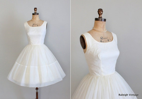 Vintage 1960s Dress : 50s 60s Winter White Chiffon Wedding