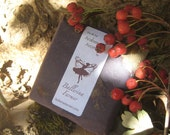 """Arabesque's Matching Set - A 6 ml Botanical Perfume & Soap in """"The Holly, Moss, and Ivy"""" scent"""