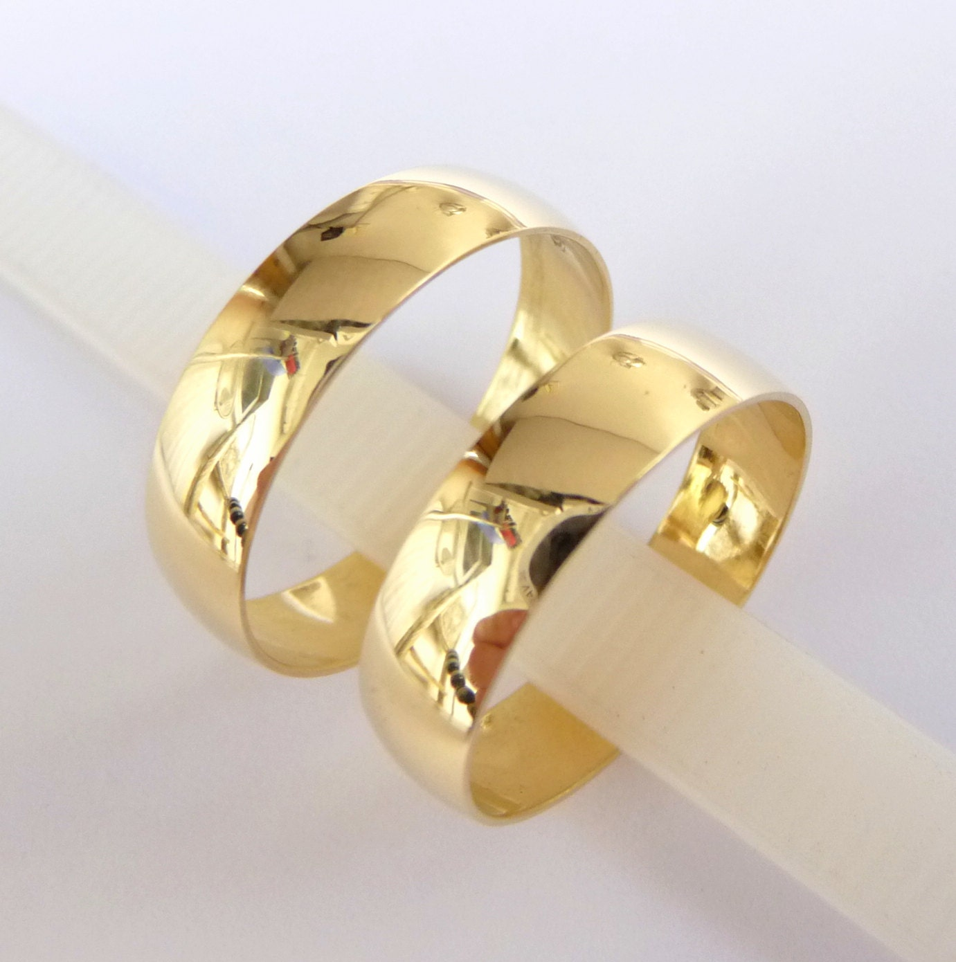 wedding bands set women 39 s men 39 s wedding rings gold 5mm. Black Bedroom Furniture Sets. Home Design Ideas