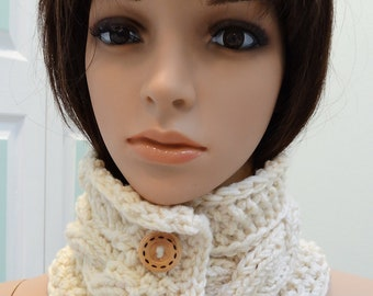Knit Headband /neckwarmer/ ear warmer,in an ivory/cream yarn,with two buttons