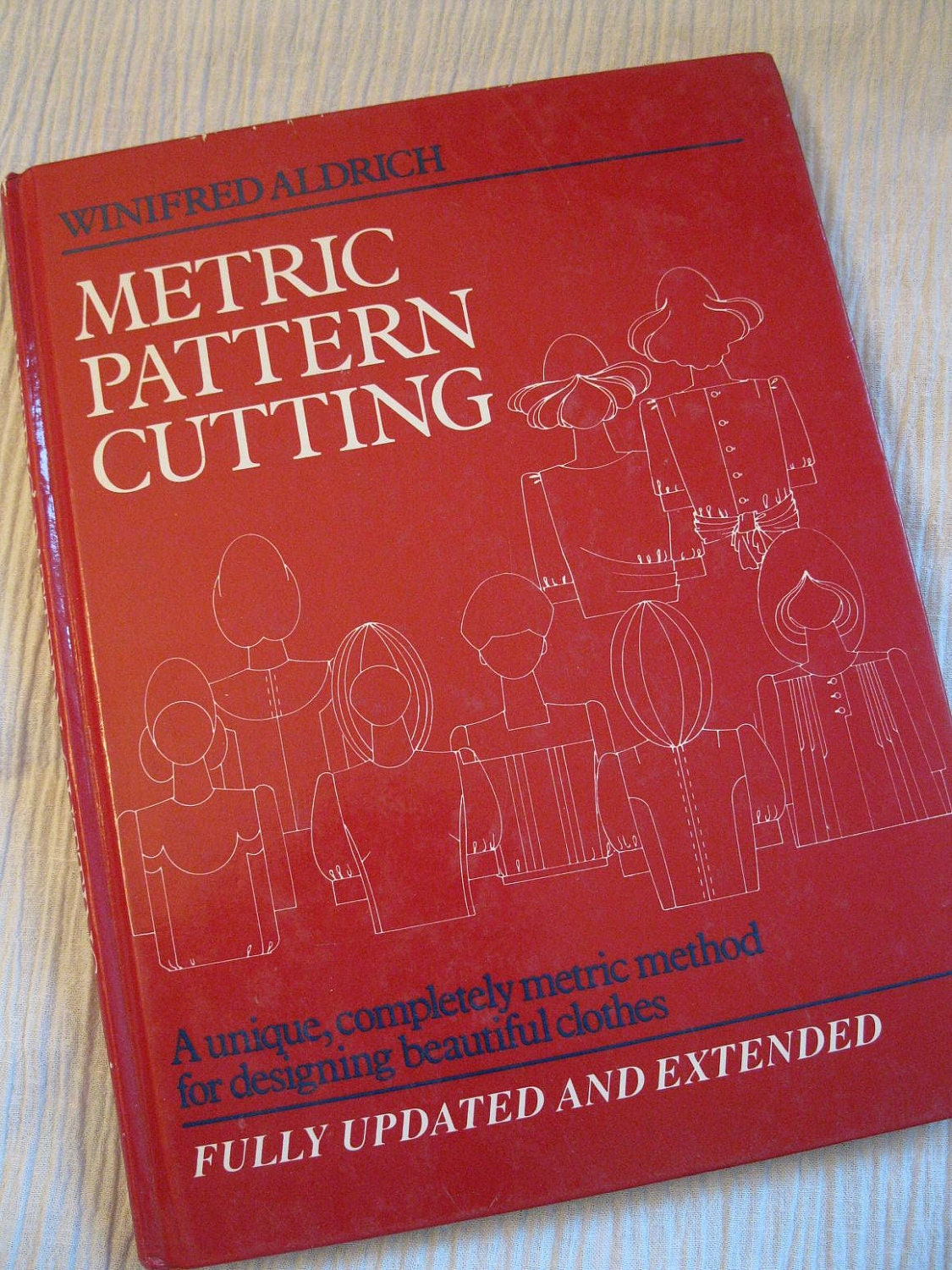 Metric pattern cutting for menswear by winifred aldrich download metric pattern cutting for menswear by winifred aldrich download fandeluxe Images