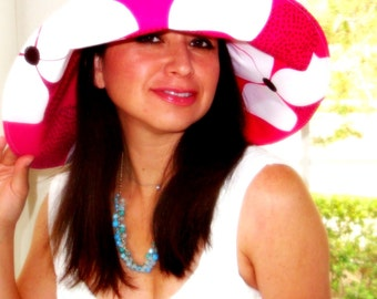 Wide Brimmed Sun Hat Women with Big Flowers Pink White by Freckles California
