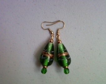 Emerald Green Lampwork Earrings (0123)
