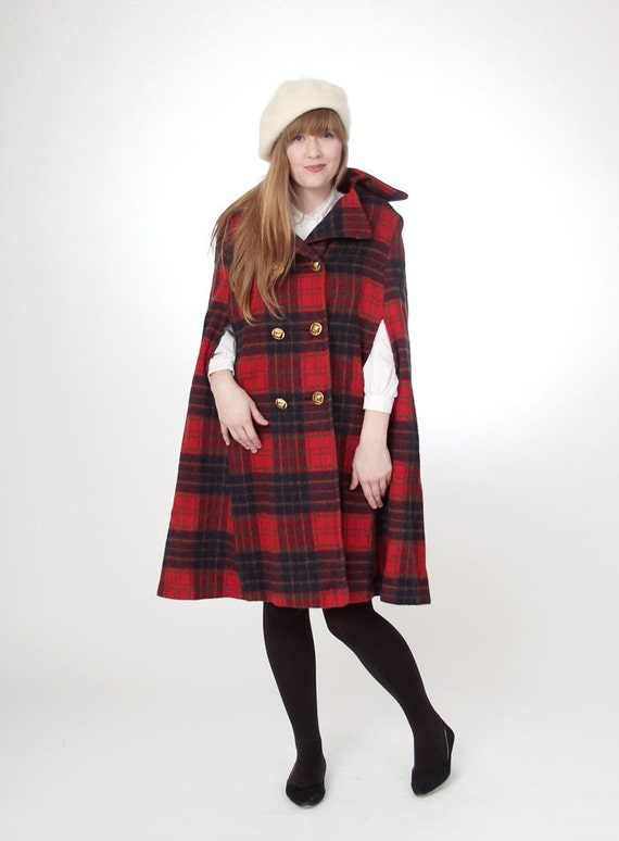 Vintage 1970s long red plaid cape - size small/medium