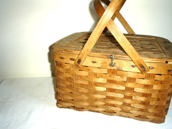 Vintage Picnic Basket French Cottage Chic