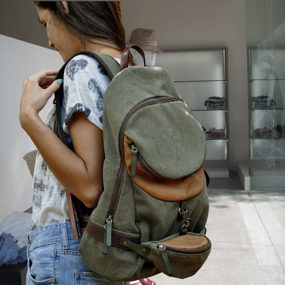 Backpack in  italian canvas with leather details, Uni in light military green color.MADE TO ORDER