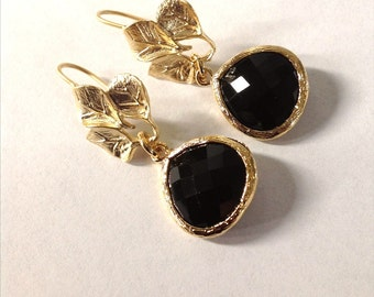 black earrings, black drop earrings, Gold and black earrings, Bridesmaid black earrings, black jewelry, earrings leaf, preppy earrings