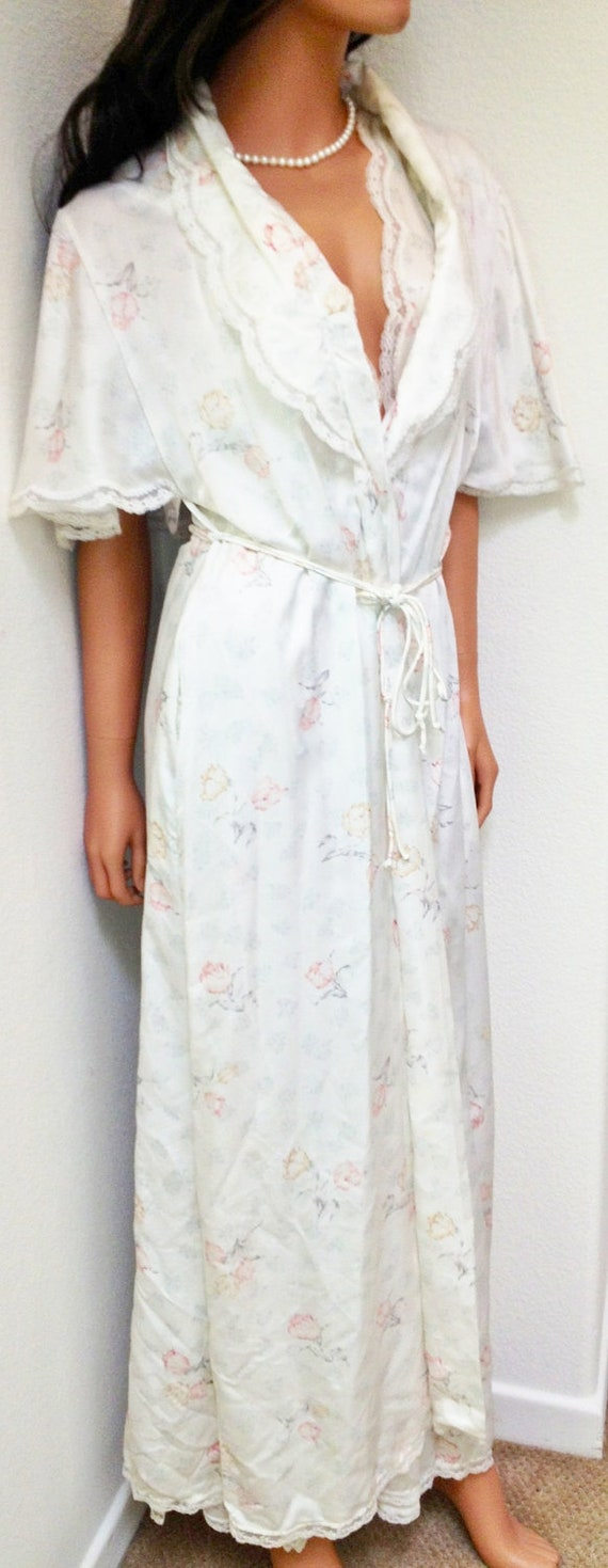 You searched for: nightie and robe set! Etsy is the home to thousands of handmade, vintage, and one-of-a-kind products and gifts related to your search. No matter what you're looking for or where you are in the world, our global marketplace of sellers can help you .
