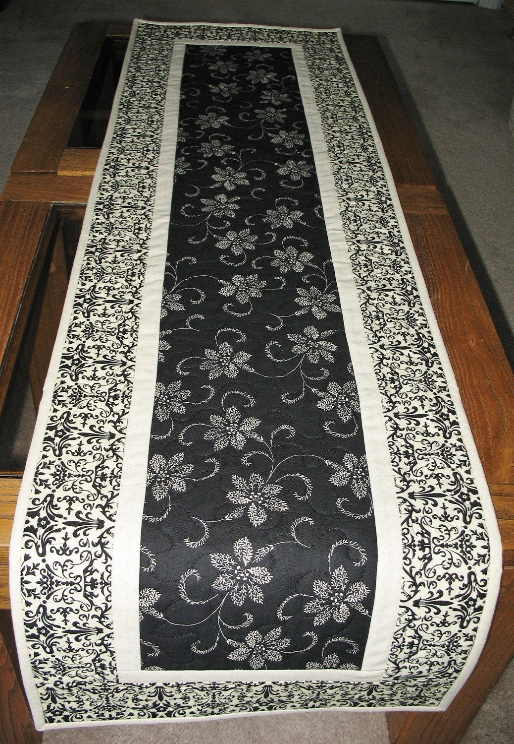 elegant table runner quilted fabric from timeless treasures. Black Bedroom Furniture Sets. Home Design Ideas