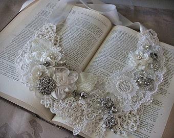 SHASTA DAISY White Lace Bridal Collar Statement Necklace Wearable Art Wedding