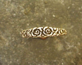 14K Gold Rose Ring Band