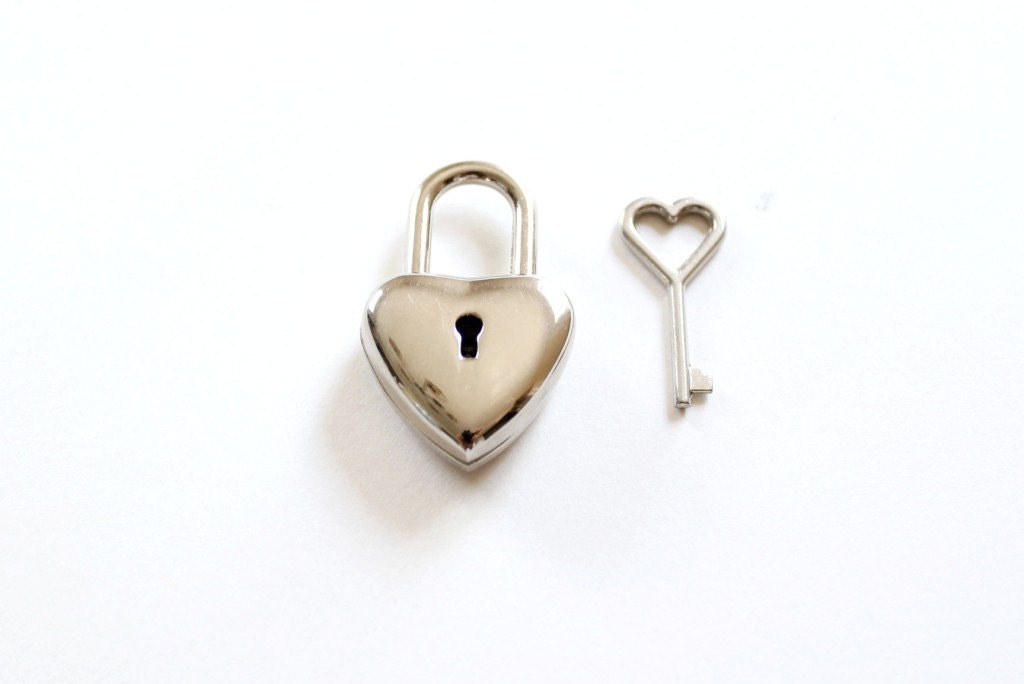 Little heart lock with heart key heart padlock key heart for Lock and key decor