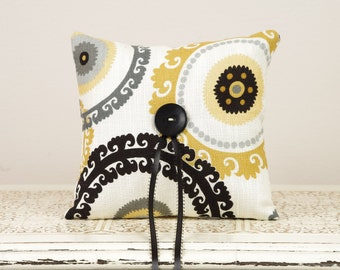 Ring Bearer Pillow in shades of Gray, Yellow and Black - Mod Wedding