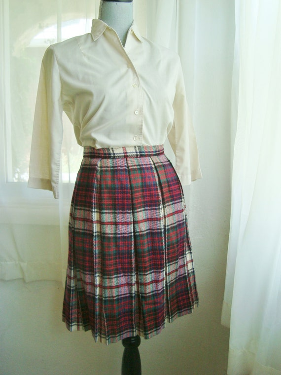 classic 1960 s plaid school pleated skirt by theswankyfox