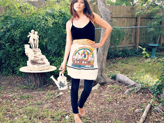 Apron  reconstructed Tshirt retro style