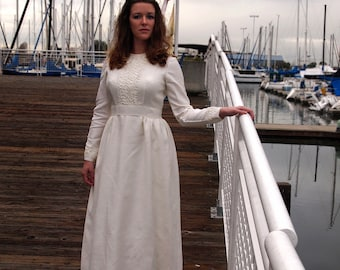 Emma Domb Wedding Gown, small to medium size