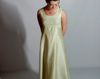 "Mint Green Vintage Gown, ""Hong Kong Couture"" M, 1970s"