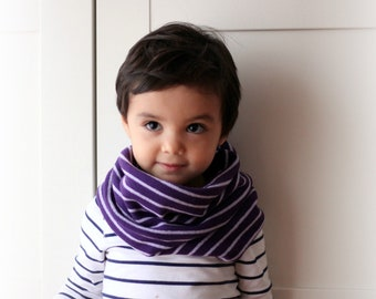 Kids cowl, circular scarf, italian cashmere blend. Back to school children neckwarmer. Purple.