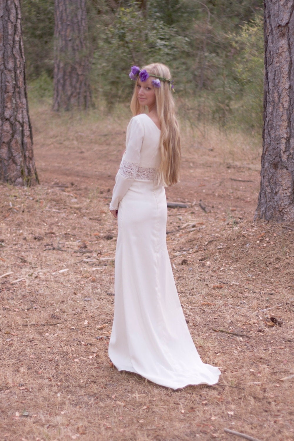 Vintage inspired wedding dress long sleeve unique winter for Hippie vintage wedding dresses