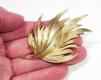 "Vintage Trifari Leaf Brooch Pin / Vintage Jewelry - 2 1/2"" x 2"""