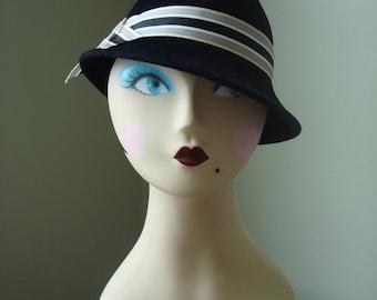 """30s hat black felt velour """"Delysia"""""""