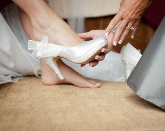 Lace Wedding Shoes, White Wedding Shoes, Melancholy Love, Custom Wedding Shoes, Closed Toe, Pearl Heel, White Bridal Shoes, Romantic Wedding
