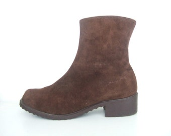 UK 5-6 Vintage 1970s boots / New old stock brown suede zip up ankle boots fleece lined