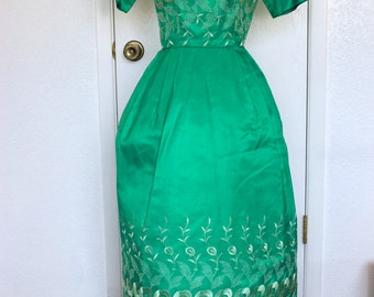 Vintage Green Full Length Tulip Embroidered Gown