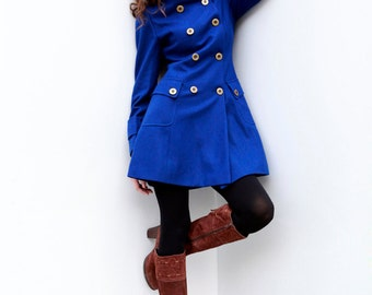 Navy blue winter coat – Modern fashion jacket photo blog