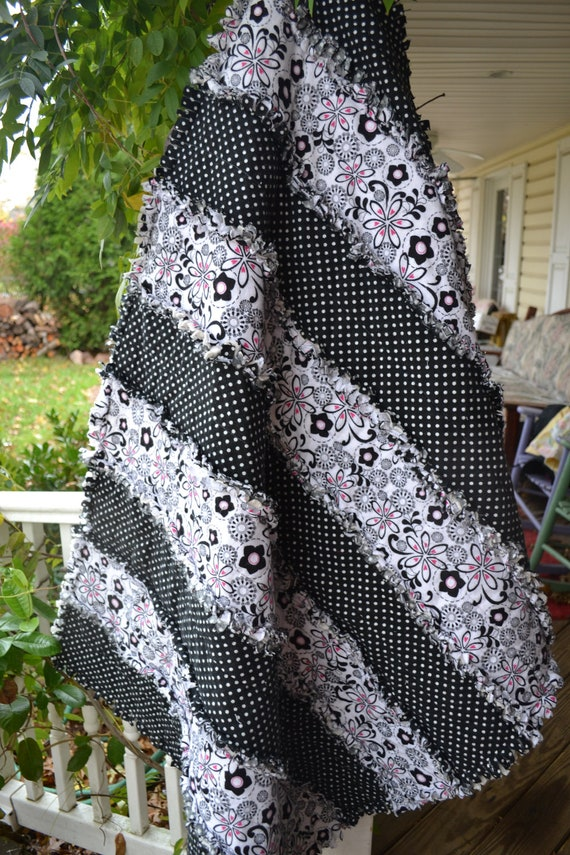 Handmade Rag Quilt Flannel Black And White Teen Funky Classic
