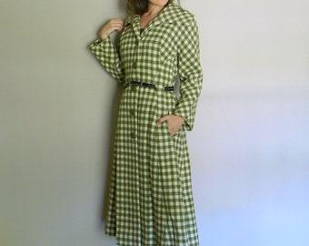 Green 40's Vintage Coat / Marshall Field & Co. Plaid Princess Coat Collar