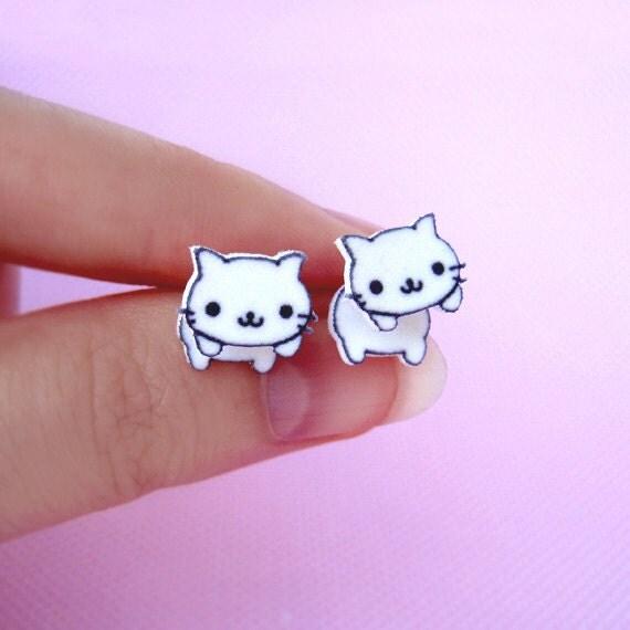 Nyan Nyan Nyanko Stud Earrings