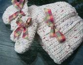 Crochet, Christmas, Winter, Toddler, Hat, Mittens, Winter, Fashion, Beige, Red, Green, Yellow