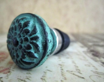 Wine Bottle Stopper - Distressed Turquoise Green Flower Wine Stopper