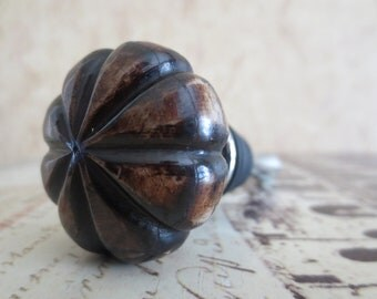 Wine Bottle Stopper - Bone Brown Scallop Wine Stopper