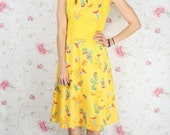 Vintage dress in sunshine yellow w/ Japanese floral print S-M