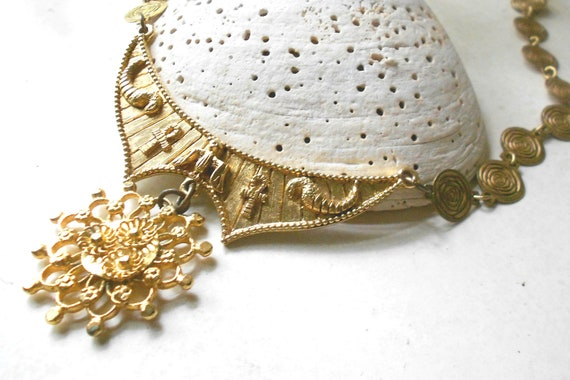 Vintage egyptian revival necklace signed ART bib collar vintage jewelry