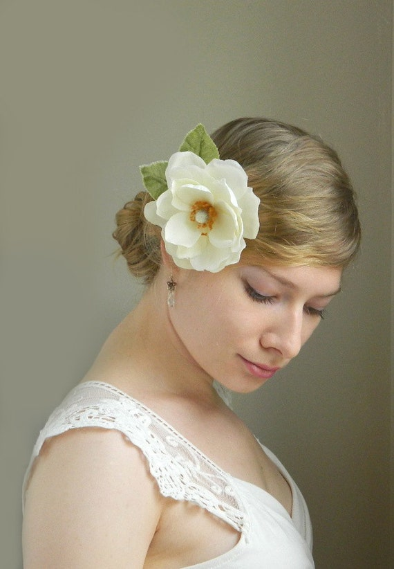 Magnolia Hair Clip - Vanilla Ivory Bridal Flower Hair Accessory