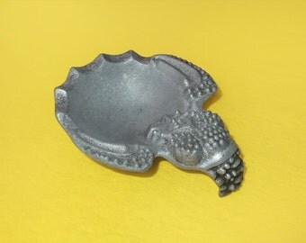 Vintage Cast Iron Tray Crab, Ashtray, Desk Accessory, Gift for Him, Crab Home Decor