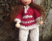 Little Dolls house dolls with hand crocheted clothes, miniateure bendable doll