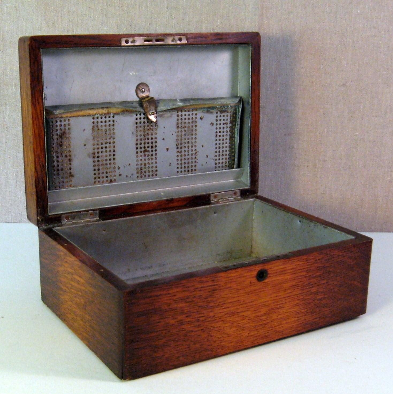 Vintage Antique Tiger Oak Desktop Cigar Humidor
