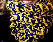 University of Michigan Maize and Blue CHUNKY cowl,  chunky neckwarmer, womens cowl, Umich,  U of M , UM gift, graduation gift Go blue