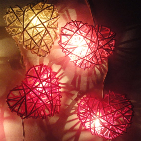 20 Mix Red-White-Pink Heart Rattan Love Fairy Lights String 3m Party Patio Wedding Floor Table or Hanging Gift  Bedroom Living Room