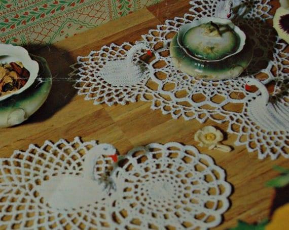 Twilleys crochet pattern for 3d swan mat doilies