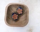 Vintage look lotus plugs