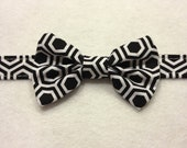 Black & white hexagonal honeycomb baby bow tie